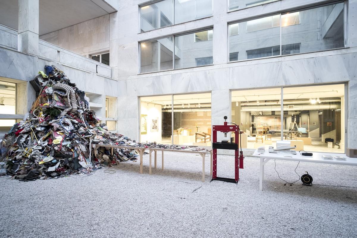 Daniel Knorr - Materialization ODEION @ VG Bild-Kunst Bonn 2017 @ Mathias Voelzke